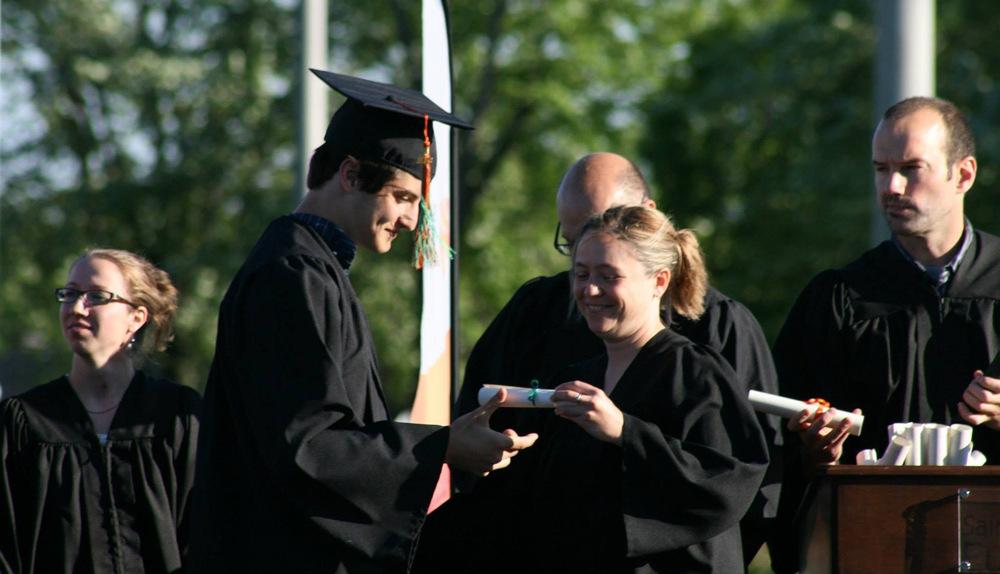 Comprar diploma é crime?