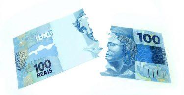 Rasgar dinheiro é crime?